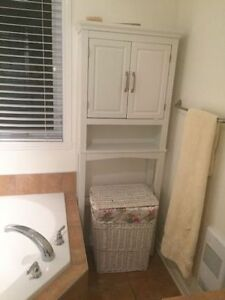 bathroom cabinet as new white selling due to move