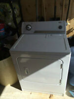 Clothes Dryer (Whirpool) used , in perfect working condition!!!!