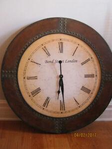 Tres Grande Horloge Style Industriel
