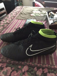 nike magista new taille 10 (REAL)