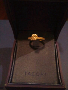 Gorgeous Tacori Engagement Ring - Size 5.5