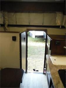 2017 Palomino Backpack SS1240 Pop Up Truck Camper with Bathroom Stratford Kitchener Area image 15