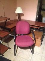 *@ 7 chaises comme neuves 20 a 25$ chac +LIVRAISON possible