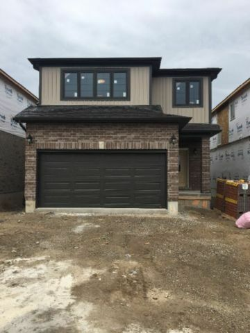 BRAND NEW DETACH HOUSE FOR RENT WITH WALKOUT BSMT