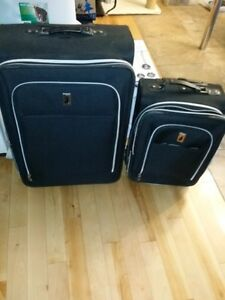 London Fog luggage set (suitcase)29&21inch (great condition)