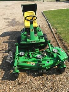 John Deere F735 riding mower 60""