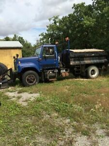 1990 International dump truck with plow and sander