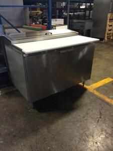 Table Refrigeree a Pizza/Salade Refrigerated Prep Table