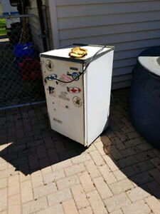 Mini Fridge with crisper and freezer
