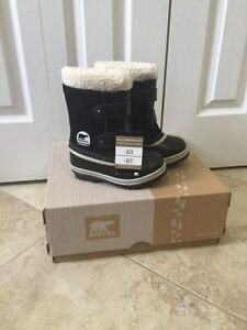 BRAND NEW SOREL GIRLS WInter boots blk size 11