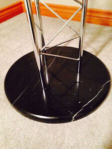 Italian design glass and marble dining table (New condition) Cambridge Kitchener Area image 2