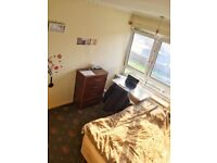 **DOUBLE ROOM** - COUPLES OK - AVAILABLE NOW - ZONE 2 - CALL ME