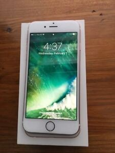MINT condition iPhone 6s rose gold UNLOCKED 64gb