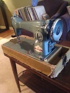 'White' Vintage Sewing Machine 755 Made in Canada - $125 OBO Kitchener / Waterloo Kitchener Area image 1