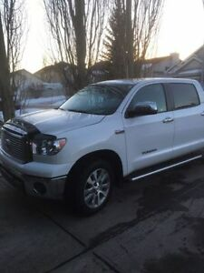 2013 PLATINUM TUNDRA FULLY LOADED NAVI BACK UP CAM