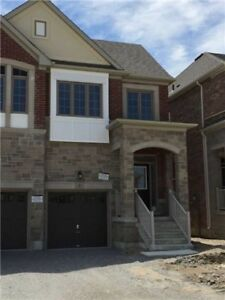 ***RENT RENT 4 Bedroom House in East Gwillimbury**
