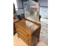Old Antique bedroom dresser with mirror & drawers furniture