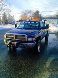 2001 Dodge Power Ram 2500 Pickup Truck