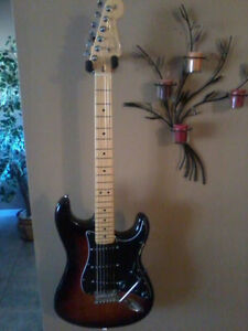 Fender Strat (U S A) Echange Fender ou Hollowbody...