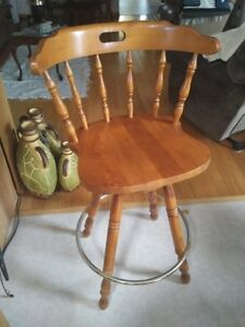 Solid Maple Swivel Chair