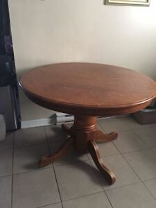 Pedestal dining table with 4 chairs