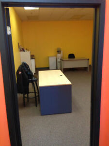 OFFICE  SPACE FOR SUB-LEASE $1200 / MONTH PLUS 50% UTILITIES.