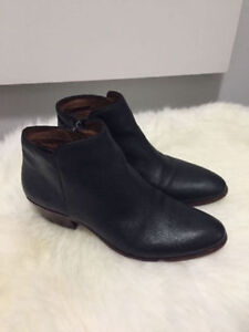 Sam Edelman signature Petty black leather ankle booties