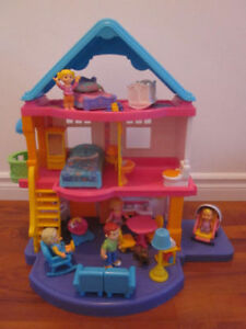 Maison Fisher Price *my first dollhouse * + accessoires