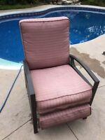 Oversize comfortable outdoor reclining patio chair