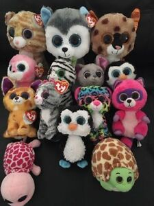 A big lot of beanie boos. AVAILABLE