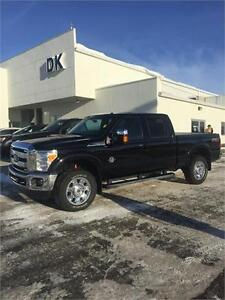2016 Ford Super Duty F-350 SRW Lariat, Full Load with LOW KM'S!