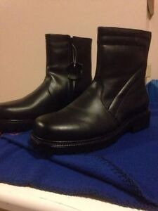 Men's Brand New Leather Boots Size 10