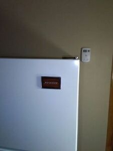 Awesome Fridge Moffat brand, good for rental property
