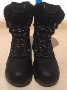 Women's Wind River Insulated Winter Boots Size 9 London Ontario image 3