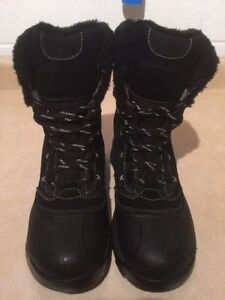 Women's Wind River Insulated Winter Boots Size 9 London Ontario image 4