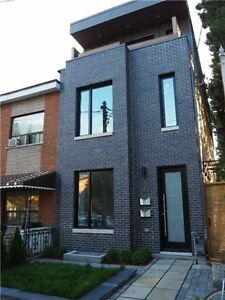 3 Storey Duplex at Trendy Queen St West! Great Investment!!!