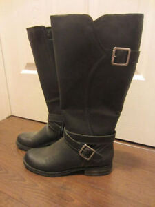 NEW! Black Naturalizer Boots - Size 9