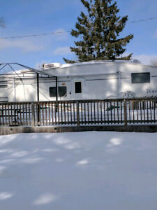 Beautiful Trailer (Fees paid for the season) 4 day sale
