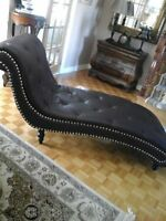 100% LEATHER CHAISE LOUNGE / RECAMIER