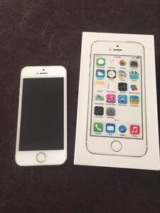 Unlocked IPhone 5S, Gold, 16GB For Sale