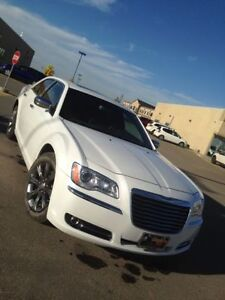 REDUCED!! 2014 Chrysler AWD Touring Edition