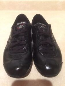 Women's Reebok Classic Leather Shoes Size 7 London Ontario image 5