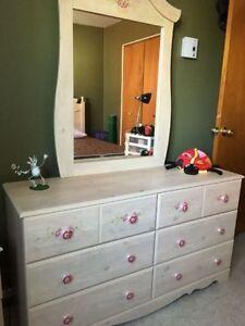 meubles dans drummondville acheter vendre petites annonces class es de kijiji. Black Bedroom Furniture Sets. Home Design Ideas