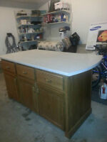 BRAND NEW SOLID OAKWOOD KITCHEN ISLAND