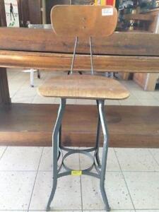 banc tabouret d'atelier industriel ''stool'' UHL toledo