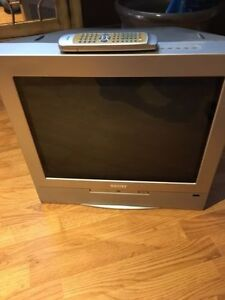 "Phillips 21"" tv and dvd + wall mount"