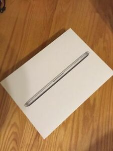 "Macbook Pro Retina 13"" Box"