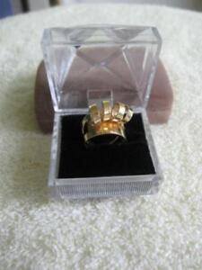 LARGE GOLDTONE CLUSTER ADJUSTABLE RING...