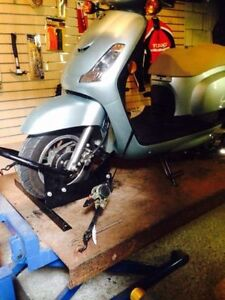 Selling my pump motorcycle lift for Sports bike,Scooter, Dirt