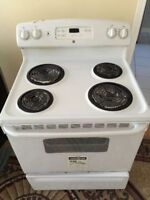 "GE Profile 30"" white coil standard stove range oven works great"